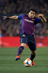 February 6, 2019 - Barcelona, Barcelona, Spain - Luis Suarez of Barcelona controls the ball during the Spanish Cup (King's cup), first leg semi-final match between FC Barcelona and  Real Madrid at Camp Nou stadium on February 6, 2019 in Barcelona, Spain. (Credit Image: © Jose Breton/NurPhoto via ZUMA Press)