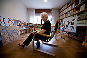 Udine, Margherita Marconi, 83 anni, casalinga. Ha cominciato a 73 anni a creare.quadri con la carta vetrata colorata.. Udine, MArgherita Marconi, 83 years old, ex housewife, now artist, started creating paintings with sandpaper.