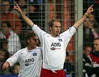 Fotball<br /> Bundesliga Tyskland 2004/05<br /> Bochum v Hamburger SV<br /> 11. desember 2004<br /> Foto: Digitalsport<br /> NORWAY ONLY<br /> 0:1 Jubel TorschŸtze Sergej BARBAREZ, dahinter Rene Klingbeil
