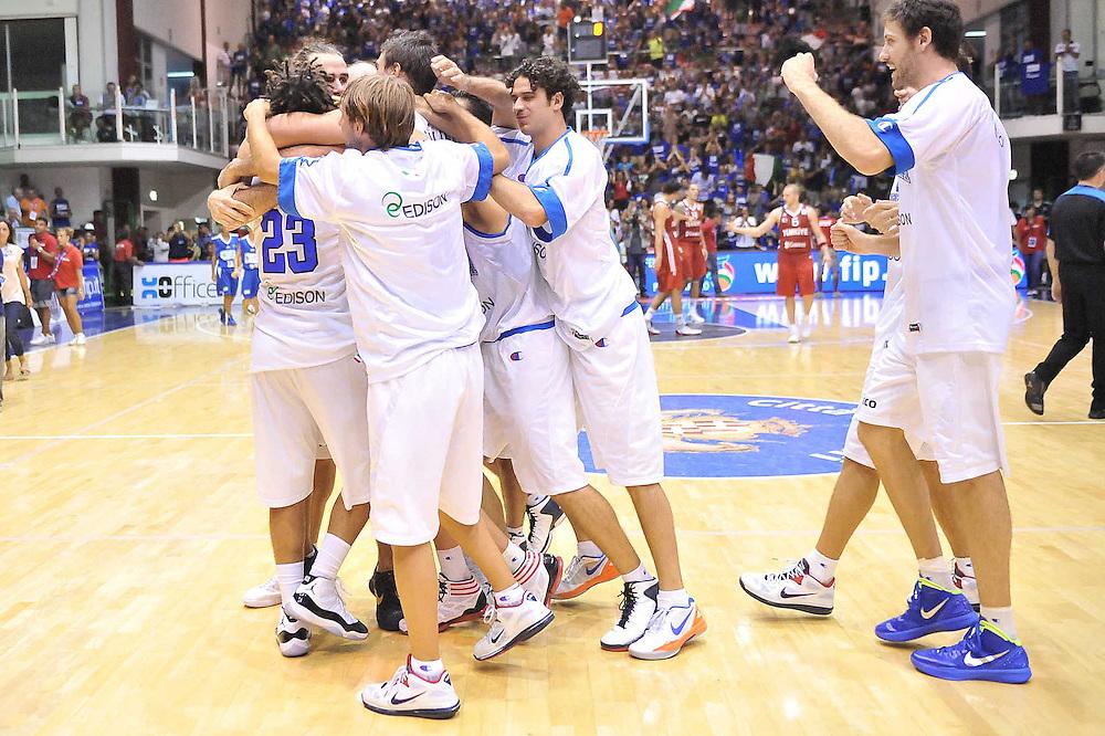 Cagliari, 21/08/2012<br /> Basket, Eurobasket 2013 Qualifying Round<br /> Italia - Turchia<br /> Nella foto: esultanza team italia<br /> Foto Ciamillo