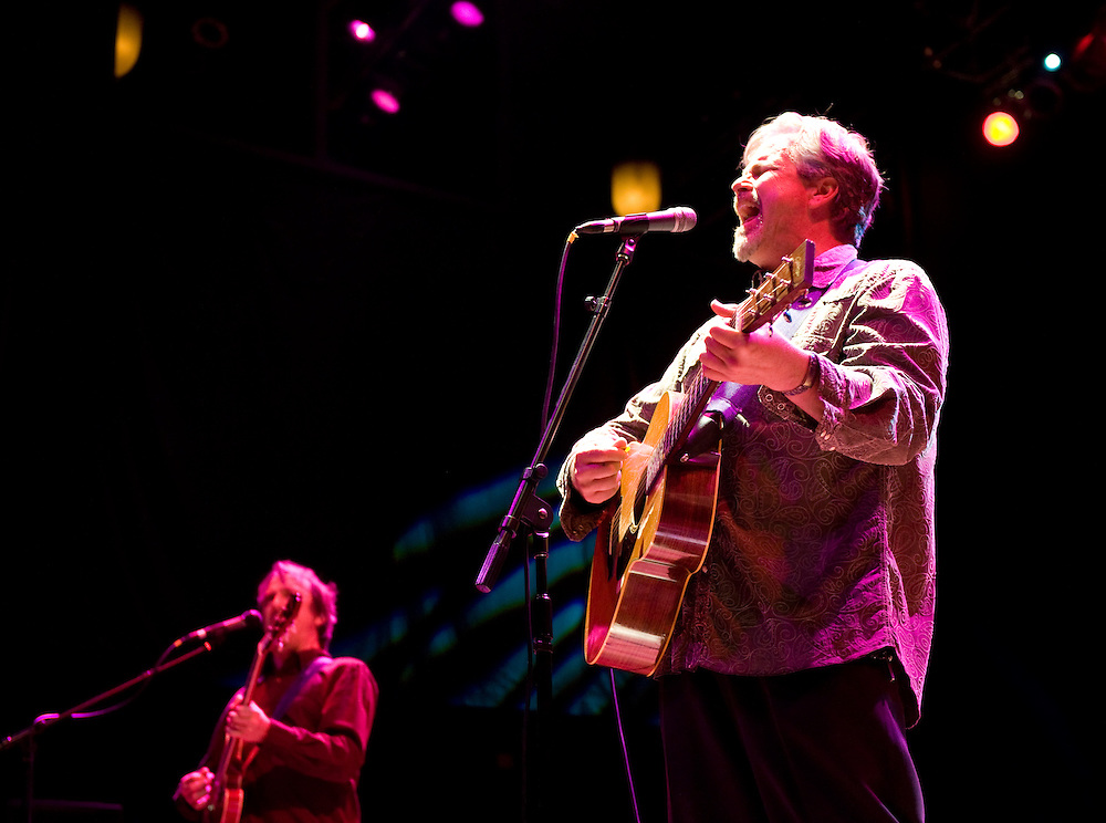 Robert Earl Keen and the Robert Earl Keen Band live in concert at the House of Blues in Houston, Texas on Sunday, December 28 2008. Photograph © 2008 Darren Carroll
