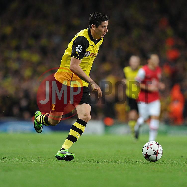 Borrusia Dortmund's Henrik Mkhitaryan - Photo mandatory by-line: Alex James/JMP - Tel: Mobile: 07966 386802 22/10/2013 - SPORT - FOOTBALL - Emirates Stadium - London - Arsenal v Borussia Dortmund - CHAMPIONS LEAGUE - GROUP F