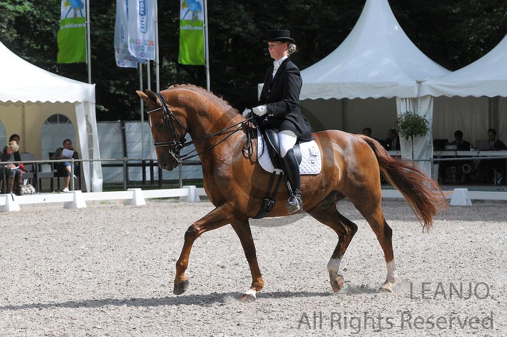 Karin Hendriks - Why Not<br /> CHIO Rotterdam 2012<br /> © DigiShots - Esmee van Gijtenbeek