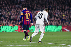 February 6, 2019 - Barcelona, Spain - 10 Leo Messi of FC Barcelona defended by 10 Modric of Real Madrid during the semi-final first leg of Spanish King Cup / Copa del Rey football match between FC Barcelona and Real Madrid on 04 of February of 2019 at Camp Nou stadium in Barcelona, Spain  (Credit Image: © Xavier Bonilla/NurPhoto via ZUMA Press)