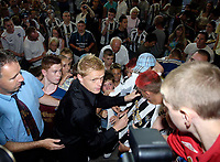 Photo: Jed Wee.<br />Newcastle United Press Conference. The Barclays Premiership. 24/07/2006.<br /><br />New Newcastle signing Damien Duff is mobbed by fans on his arrival at St. James' Park.