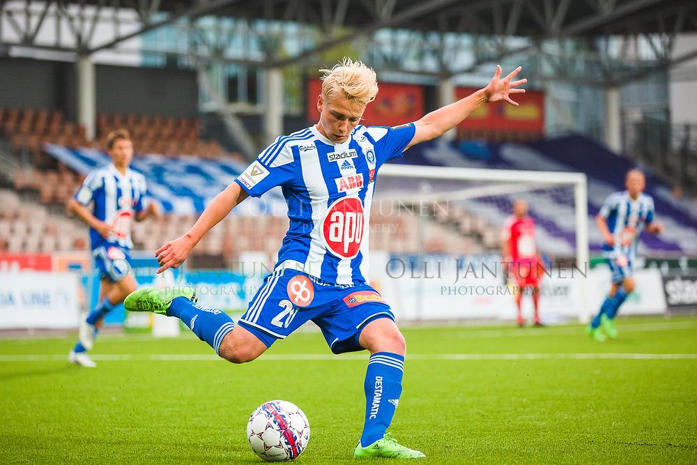 HJK:n Matti Klinga Veikkausliigan ottelussa HJK-FC Lahti. Sonera Stadium, Helsinki, Suomi. 12.8.2015.