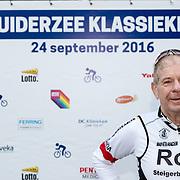 NLD/Almere/20160924 - Start fietstocht BN'ers trappen darmkanker de wereld uit, Frits Barend