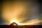 Nederland, Millingen, 21-9-2018 Foto van een mooie lucht bij zonsondergang . Foto: Flip Franssen