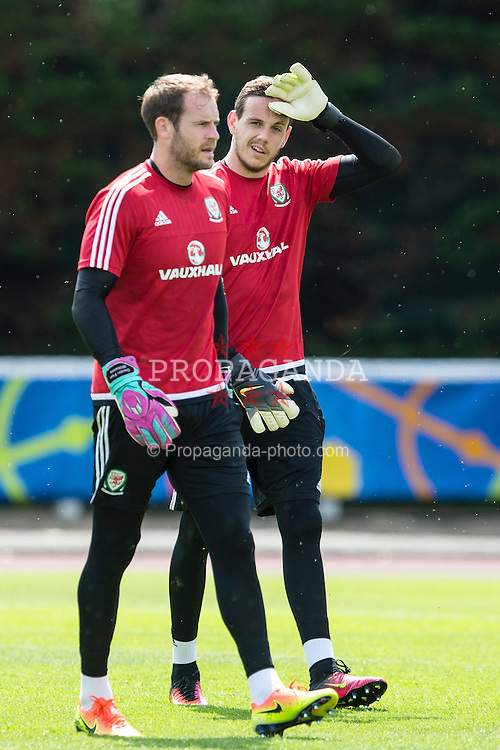 DINARD, FRANCE - Wednesday, June 22, 2016: Wales goalkeeper's Owain Fon Williams and Daniel Ward during a training session at their base in Dinard as they prepare for the Round of 16 match during the UEFA Euro 2016 Championship. (Pic by Paul Greenwood/Propaganda)