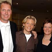 NLD/Bussum/20051019 - CD presentatie Thomas Berge en Koos Alberts, Thomas met zijn ouders Rick en Margo