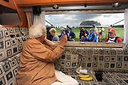 Nederland,Groesbeek, 19-7-2012..Vierdaagse, de dag van groesbeek. Een vrouw zwaait vanuit de camper.<br /> Foto: Flip Franssen editie Nijmegen