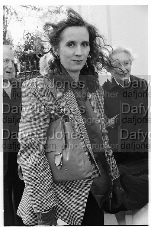 FIONA PITT-KETHEY, London Library anniversary, St.  James's Sq. London. 2 May 1991.<br /> <br /> SUPPLIED FOR ONE-TIME USE ONLY> DO NOT ARCHIVE. © Copyright Photograph by Dafydd Jones 248 Clapham Rd.  London SW90PZ Tel 020 7820 0771 www.dafjones.com