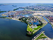 Nederland, Gelderland, Harderwijk, 21–06-2020; Waterfronten Waterstadhaven, centrum van Harderwijk met Dolfinarium en jachthaven De Knar.<br /> Waterfronts Waterstadhaven, center of Harderwijk with Dolfinarium and marina De Knar.<br /> <br /> luchtfoto (toeslag op standaard tarieven);<br /> aerial photo (additional fee required)<br /> copyright © 2020 foto/photo Siebe Swart