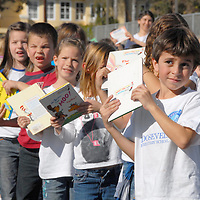 Roosevelt Elementary Schoolwide Read-a-Thon Flash Mob