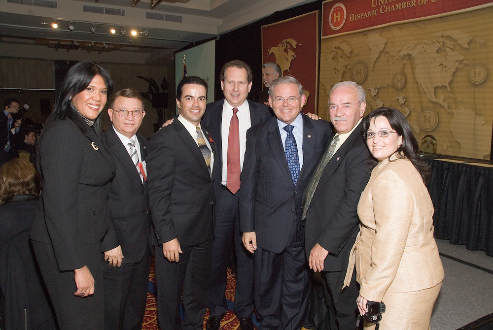 Ignacio Veloz (third from left) and Elliot Rivera (second from right) join friends in greetingRep. Lincoln Diaz-Balart (FL-21) andSenator Robert Menendez (D-NJ) at theLegislative Awards Dinner, part of theUnited States Hispanic Chamber of Commerce's 19th Annual Legislative Conference, in Washington, DC, Tuesday, March 10, 2009.