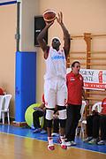 DESCRIZIONE : Varallo Torneo di Varallo Lega A 2011-12 Cimberio Varese Novipiu Casale Monferrato<br /> GIOCATORE : Yakhouba Diawara<br /> CATEGORIA : Tiro<br /> SQUADRA : Cimberio Varese<br /> EVENTO : Campionato Lega A 2011-2012<br /> GARA : Cimberio Varese Novipiu Casale Monferrato<br /> DATA : 11/09/2011<br /> SPORT : Pallacanestro<br /> AUTORE : Agenzia Ciamillo-Castoria/A.Dealberto<br /> Galleria : Lega Basket A 2011-2012<br /> Fotonotizia : Varallo Torneo di Varallo Lega A 2011-12 Cimberio Varese Novipiu Casale Monferrato<br /> Predefinita :