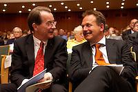 15 JUL 2004, BERLIN/GERMANY:<br /> Franz Muentefering (L), SPD Parteivorsitzender, Frank Bsirske (R), ver.di Vorsitzender,  im Gespraech, waehrend einem Festakt zum 100. Geburtstag von Karl Richter, langjähriges aktives Mitglied von Partei und Gewerkschaft, Rathaus Reinickendorf<br /> IMAGE: 20040715-01-035<br /> KEYWORDS: Franz Müntefering, Feier, Gespräch