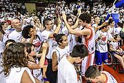 DESCRIZIONE : Campionato 2014/15 Serie A Beko Grissin Bon Reggio Emilia -  Dinamo Banco di Sardegna Sassar Finale Playoff Gara1<br /> GIOCATORE : Amedeo Della Valle<br /> CATEGORIA : Tifosi Pubblico Spettatori Ritratto Esultanza Postgame<br /> SQUADRA : Grissin Bon Reggio Emilia<br /> EVENTO : LegaBasket Serie A Beko 2014/2015<br /> GARA : Grissin Bon Reggio Emilia - Dinamo Banco di Sardegna Sassari Finale Playoff Gara1<br /> DATA : 14/06/2015<br /> SPORT : Pallacanestro <br /> AUTORE : Agenzia Ciamillo-Castoria/GiulioCiamillo