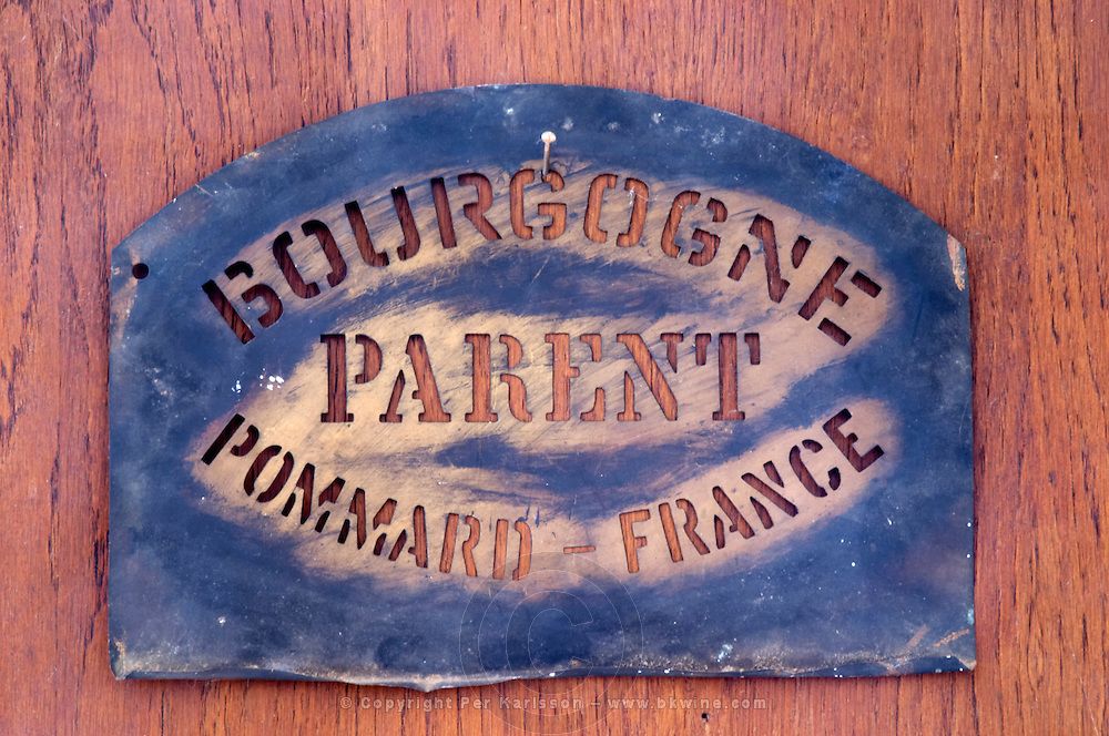stencil to mark cases domaine parent pommard cote de beaune burgundy france