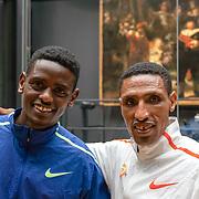 17-10-2019: Atletiek: Persconferentie TCS Amsterdam Marathon: Amsterdam  Rijksmuseum, Solomon Deksisa, Tadu Abate, TCS Amsterdam Marathon, Nachtwacht, Rembrandt
