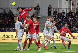 Frederik Alves Ibsen (Silkeborg IF) header væk under kampen i 1. Division mellem FC Helsingør og Silkeborg IF den 11. september 2020 på Helsingør Stadion (Foto: Claus Birch).