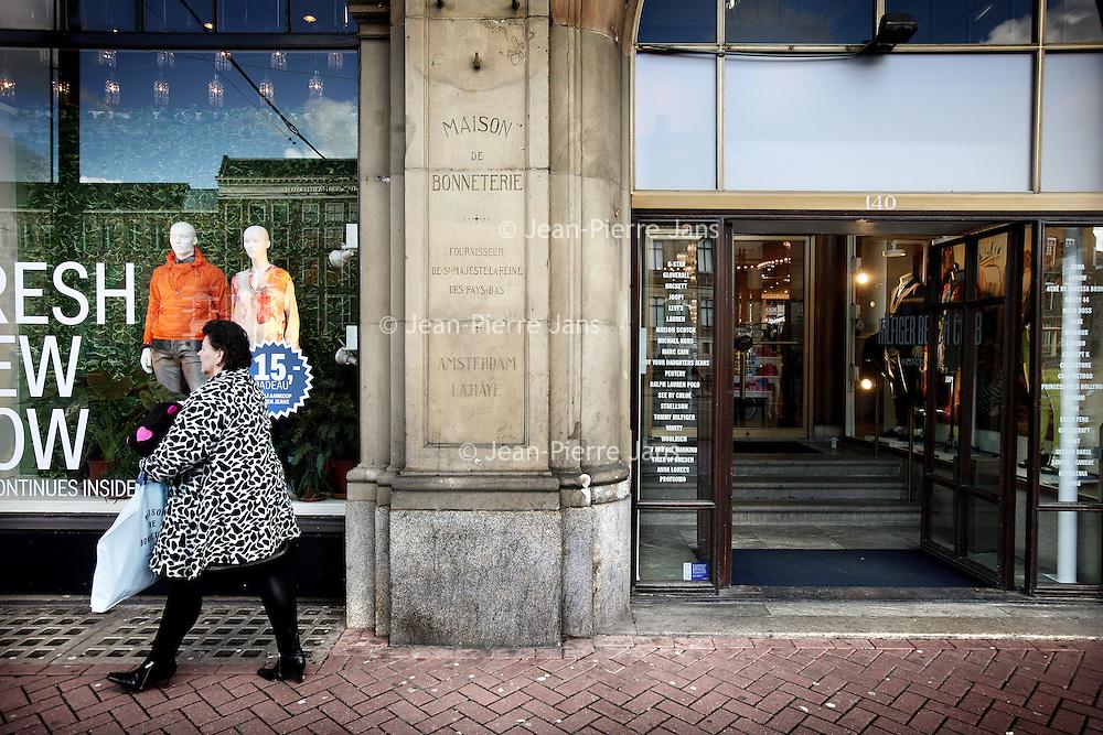 Nederland, Amsterdam , 21 februari 2013.<br /> Maison de Bonnetrie aan het Rokin.<br /> Maison de Bonneterie sluit zijn twee vestigingen in Amsterdam en Den Haag. Daarmee sluit het warenhuis na 125 jaar de deuren.<br /> Foto:Jean-Pierre Jans