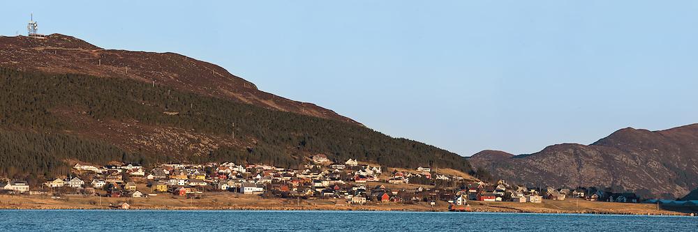 Stiched high resolution panorama of Kvalsund, Norway. This picture is suited for large prints. | Sammensatt høyoppløslig panorama av Kvalsund, Norge. Dette bildet er godt egna for svært store utskrifter/bilder.