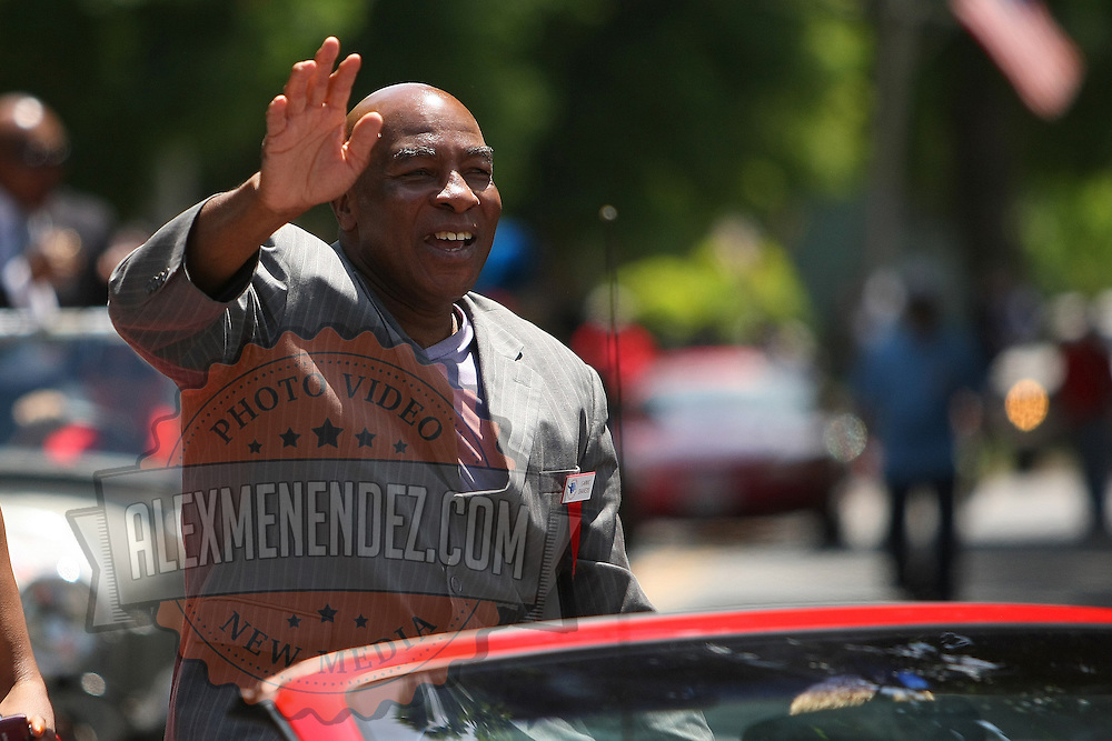 Boxer Ernie Shavers is seen in the parade of champions during the 2013 International Boxing Hall of Fame induction ceremony  on Sunday, June 9, 2013 in Canastota, New York.  (AP Photo/Alex Menendez)