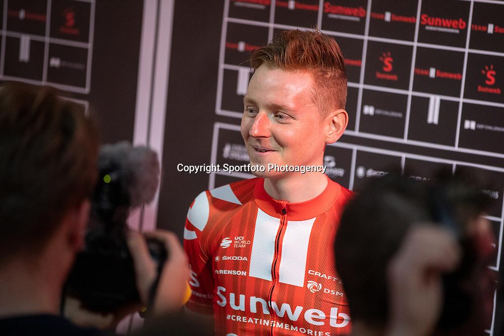 10-12-2019: Wielrennen: Teampresentatie Sunweb: Amsterdam <br />Sam Oomen