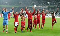 Fotball<br /> Tyskland<br /> 27.10.2015<br /> Foto: Witters/Digitalsport<br /> NORWAY ONLY<br /> <br /> Schlussjubel Bayern<br /> <br /> Fussball, DFB-Pokal, 2. Runde, VfL Wolfsburg - FC Bayern München