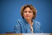 DEU, Deutschland, Germany, Berlin, 25.09.2017: Nicola Beer (FDP) in der Bundespressekonferenz zu den Ergebnissen der Bundestagswahlen.