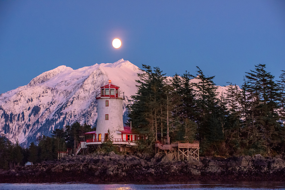 Rockwell Lighthous and full moon
