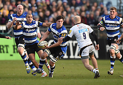 Bath Rugby openside flanker Francois Louw passes the ball in Aviva Premiership clash against Wasps at the Recreation Ground - Photo mandatory by-line: Paul Knight/JMP - Mobile: 07966 386802 - 10/01/2015 - SPORT - Rugby - Bath - The Recreation Ground - Bath Rugby v Wasps - Aviva Premiership