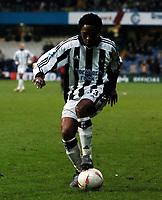 Fotball<br /> FA-cup 2005<br /> 3. runde<br /> Yeading v Newcastle<br /> 9. januar 2005<br /> Foto: Digitalsport<br /> NORWAY ONLY<br /> CELESTINE BABAYARO (NEWCASTLE)