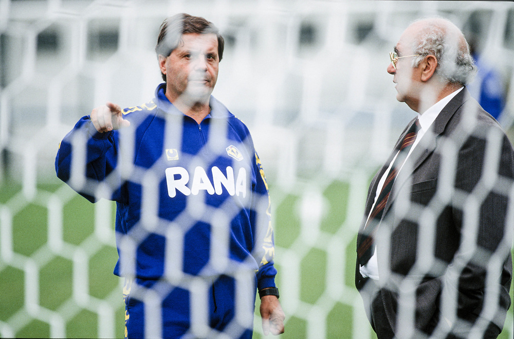 18 OCT 1991 - Verona - Giovanni Rana, industriale della pasta, allo stadio Bentegodi, con l'allenatore Eugenio Fascetti.