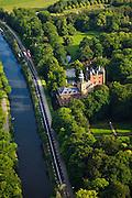 Nederland, Utrecht, Breukelen, 23-05-2011; Kasteel Nijenrode van Nyenrode Business Universiteit. Castle Nijenrode of Nyenrode Business University..luchtfoto (toeslag), aerial photo (additional fee required).copyright foto/photo Siebe Swart