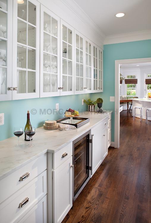 3618 N. Abingdon St Arlington, VA architect Bruce Wentworth Wentworth Studios Kitchen Hallway foyer entrance archway