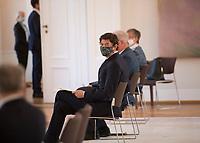 DEU, Deutschland, Germany, Berlin, 01.10.2020: Prof. Dr. Christian Drosten bei der Verleihung des Verdienstordens der Bundesrepublik Deutschland (Bundesverdienstkreuz) durch den Bundespräsidenten im Schloss Bellevue.