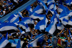 Torcida gremista antes da partida entre as equipes do Gremio e Internacional realizada no Estadio Olimpico, em Porto Alegre, valida pela 26ª rodada do Campeonato Brasileiro. 16/09/2007  Jefferson Bernardes/Preview.com