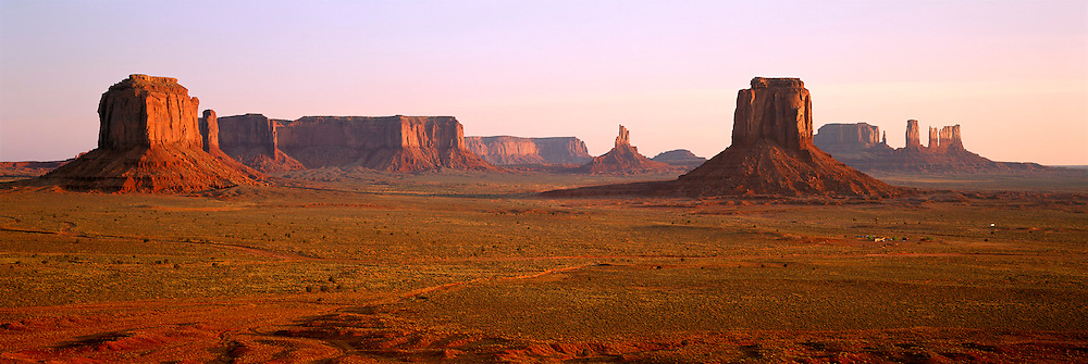 ARIZONA, MONUMENT VALLEY buttes seen from Inspiration Point