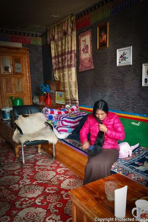 Interior by Sokyi, ༣གསོ་སྐྱིད།, 索吉