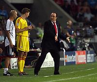 Photo: Chris Ratcliffe.<br /> PSV Eindhoven v Liverpool. UEFA Champions League, Group C. 12/09/2006.<br /> Rafael Benitez of Liverpool explains tactics to Steven Gerrard.