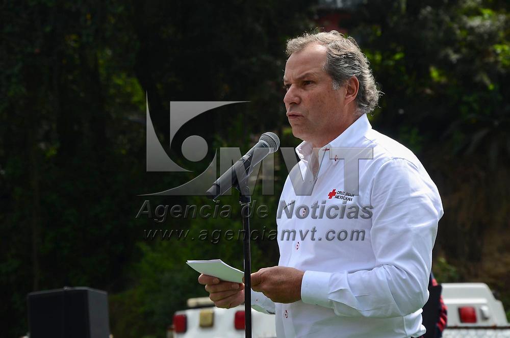 Ecatzingo, México (Septiembre 07, 2018).- Fernando Suinaga Cárdenas, presidente Nacional de Cruz Roja Mexicana y Jorge Forastieri, delegado estatal de Cruz Roja Mexicana realizaron la entrega de paquetes de ayuda humanitaria en la Especial Cruz Roja