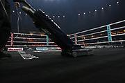 Boxen: World Boxing Super Series, Ali-Trophy, Cruisergewicht, Viertelfinale, WBO-Weltmeisterschaft,  Berlin, 09.09.2017<br /> Oleksandr Usyck (UKR) - Marco Huck (GER): Kurios, Staubsaugen vorm Main Event<br /> © Torsten Helmke