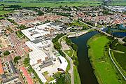 Nederland, Zuid-Holland, Leerdam, 23-08-2016; stadsgezicht met riviertje de Linge en glasfabriek 'Royal Leerdam'  / 'Royal Leerdam Crystal<br /> Cityscape with river Linge, and 'Royal Leerdam' glassworks.<br /> aerial photo (additional fee required);<br /> copyright foto/photo Siebe Swart