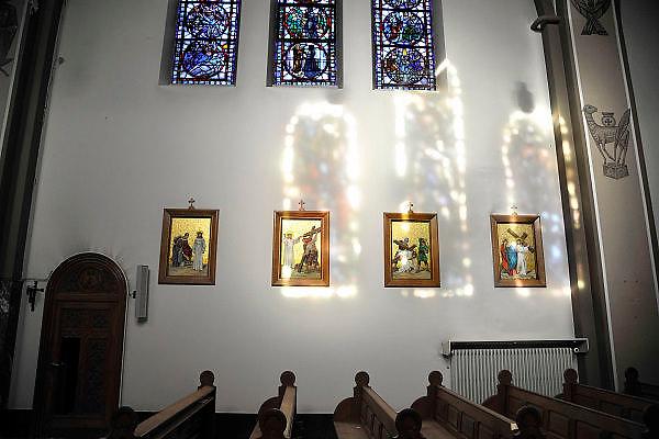 Nedereland, Heel,Limburg, 15-11-2011Interieur van de kerk, kapel, van voormalig internaat St Anna. De kerk wordt niet meer gebruikt.Foto: Flip Franssen