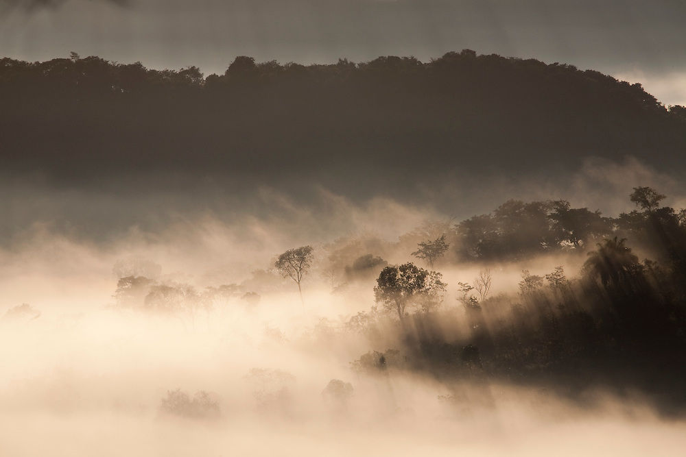 Nova Lima_MG, Brasil...Montanhas em Sao Sebastiao das Aguas Claras, tambem conhecido como Macacos. ..Mountains in Sao Sebastiao das Aguas Claras, also known Macacos...Foto: JOAO MARCOS ROSA / NITRO