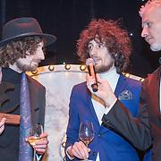 NLD/Amsterdam/20171114 - Esquire's Best Dressed Man 2017, tweeling Sander Brinks en Arnout Brinks van de band Tangerine en Arno Kantelberg