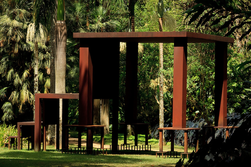 Brumadinho_MG, Brasil...Museu de Arte Contemporanea de Inhotim (CACI). Na Foto a obra Inmensa...The Inhotim Contemporary Art Museum (CACI). In this photo the art Inmensa...Foto: BBRUNO MAGALHAES / NITRO