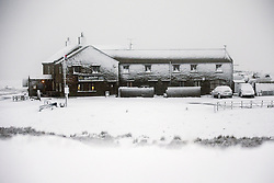 November 21, 2018 - Richmond, North Yorkshire, UK - Richmond UK. Britains highest pub, the Tan Hill Inn that sits at 1732ft above sea level on the Pennine Way in North Yorkshire & has been covered in snow this morning. (Credit Image: © Andrew Mccaren/London News Pictures via ZUMA Wire)